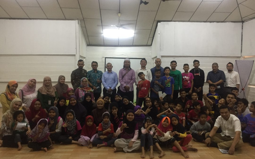 Donations of Duit Raya to Asnaf and Anak Yatim